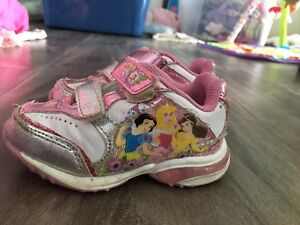 Girls size 5 sneakers