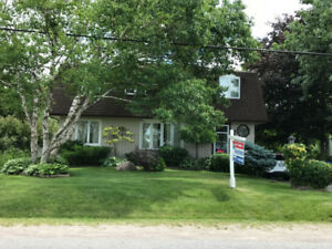 ==== Bowmanville House with 60 x 250 lot ====