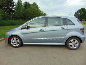 2008 Mercedes-Benz B200,TURBO for Sale! Sunroof & Low kms!