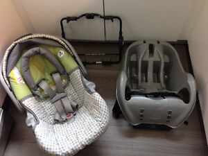 Graco Snugride car seat with base and Uppa baby stroller adapter