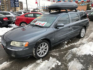 2005 Volvo V70 2.5T AWD WAGON..PERFECT MINT COND...8 WHEELS.