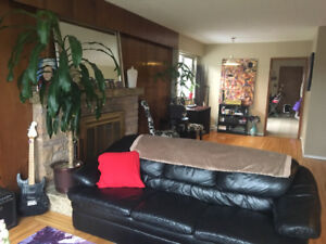 1 FURNISHED BEDROOM FOR RENT IN SHARED 3 BEDROOM HOUSE