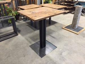 TABLE BISTRO EN BOIS DE GRANGE CENTENAIRE $450
