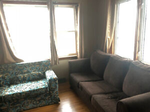 Rooms for rent - student house (University of Windsor)