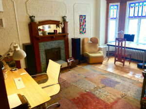 Spacious 7 ½ on Plateau - 2 rooms available - MAY AND JUNE ONLY