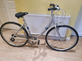 Giant expression dx hybrid bike in good working condition