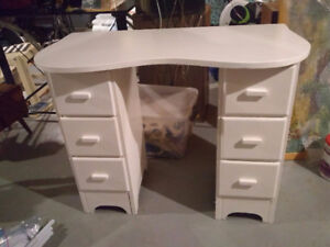 Antique makeup table