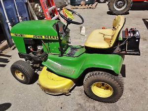 John Deere 111 Tractor-Mower