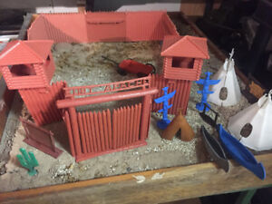 Fort Apache by Marx 1/32 scale original Indians and accessories