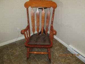 Chaise chaise bercante buy sell items tickets or tech for Chaise bercante antique