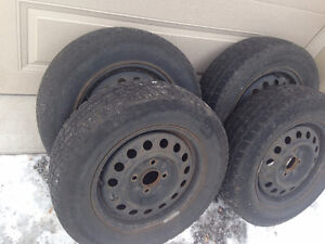 4/ HYUNDAI  WINTER TIRES & STEEL RIMS 205/65/15