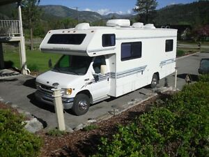 28 ft Winnebago class c motorhome 7.3 Powerstroke Diesel
