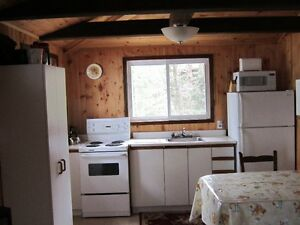 Kahshe Lake, Muskoka lakefront cottage for rent $800/wk