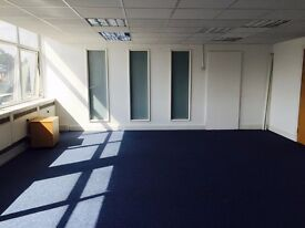 4 Workstations in Park Royal near Hanger Lane for Rent
