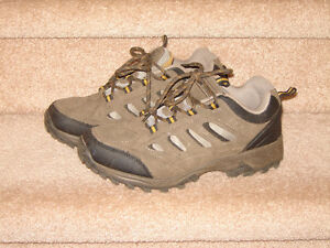 Hikers - size 7.5 - like new