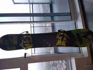 Flow Chill 156 ABT snowboard with Hybid powercap strap bindings.