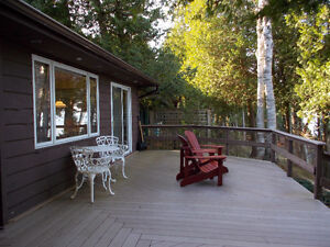 Waterfront - Southampton bungalow with 3 bedrooms 2 bathrooms