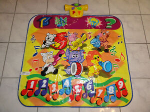 TOY QUEST INTERACTIVE PLAY MAT