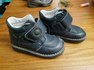 toddler leather boots/shoes