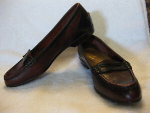 ROCKPORT BLACK AND BURGUNDY LEATHER LOAFERS