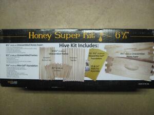Brand New Honey Bee Beekeeping starter kit