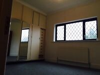ROOM AVAILABLE NOW 8 MIN TO LEYTON