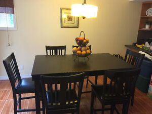 7 piece dining set with excellent condition