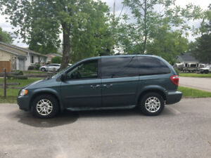 2006 Dodge Caravan ONLY 84,222km!! Owned by 1 senior