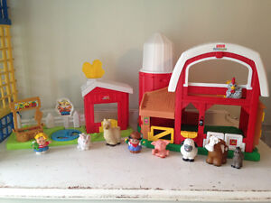 Fisher Price Little People Deluxe Animals Sounds Barn