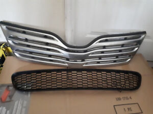 OEM Upper and Lower Grill for Toyota Venza