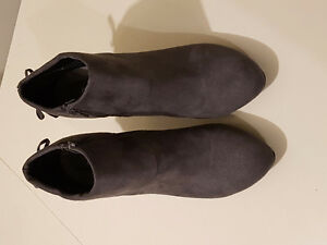 Swiss boots with heel