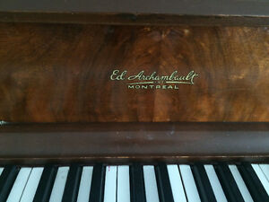Upright piano antique Archambault
