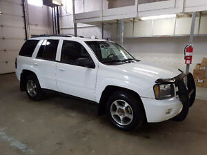 2008 Chevrolet Trailblazer LS  4x4  NO ACCIDENTS  WARRANTY AVAIL