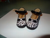 Chaussures babies fille pointure 23