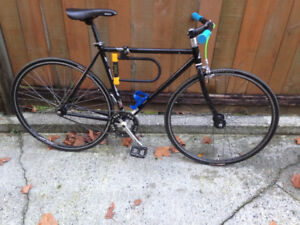 Fuji black bike 48cm