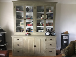 Hutch forsale