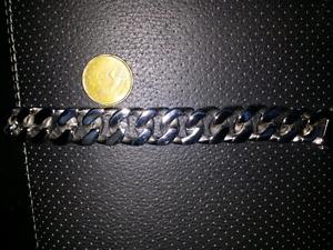 Bracelet stainless neuf .