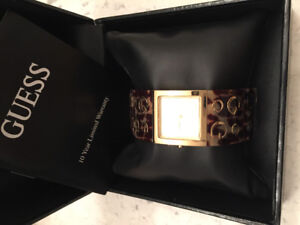 New: 2 Ladies Fossil watches 1 Ladies Guess watch