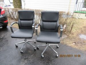 Chair's for Sale & Writing desk ******* Call 386-1987