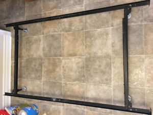 Metal bed frame - adjustable from twin to queen