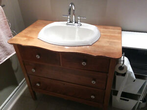 Lavabo buy or sell indoor home items in gatineau for Meuble antique kijiji