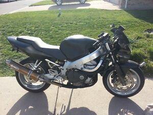 2000 Honda CBR600F4 $1800 O.B.O.