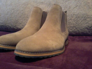 BRAND NEW STYLISH MENS Chelsea boots