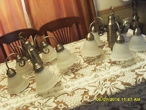 2 chandeliers laiton brass hanging light fixtures ou 2/90$