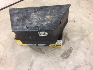 Dump trailer battery/pump/tool box