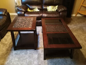 Matching coffee and end table (1)