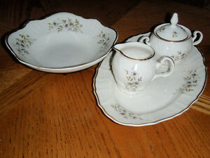 Bernadotte 4 Piece ( Blossom Set ) Cambridge Kitchener Area image 1