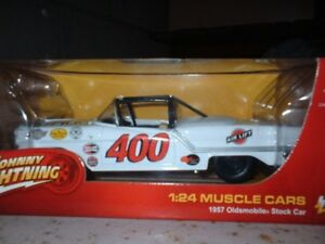 1/24 johnny lightning stock car