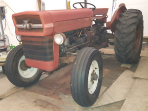 Collector Tractor.   1966  .low hours