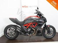 DUCATI DIAVEL CARBON RED 2013 - 9000 Miles